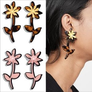 NEW- Adorable Resin Drop Flower Earrings